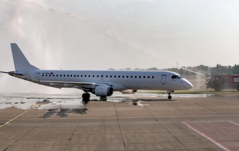 avion, 10. 6. 2021.