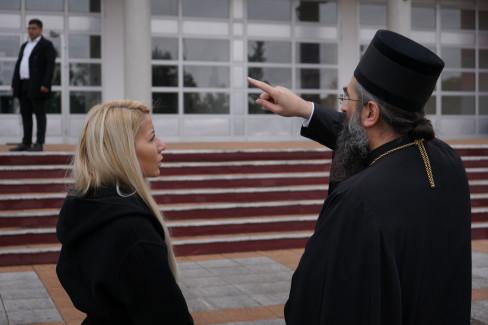 Njegovo preosveštenstvo Episkop niški g. Arsenije i Marija Malović regionalni menadžer komunikacija i korporativnih poslova kompanije Imlek
